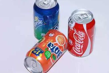 记得1979年长城上喝可乐百事可乐代言女明星的男孩?但零度要停产