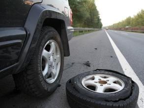 夏季用车,如何降低爆胎事故