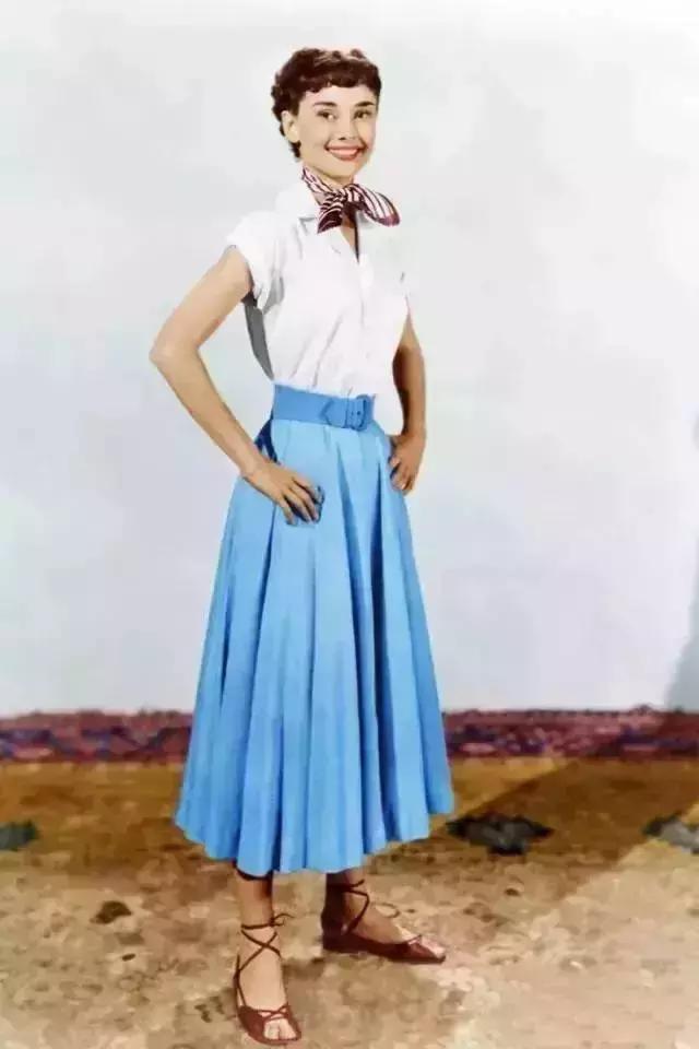 一条裙包治高矮肥瘦,专治各种手粗,大腿粗,小腿粗,臀部太大!