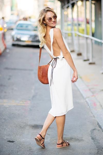 小黑裙OUT!一条小白裙,5种女神范!
