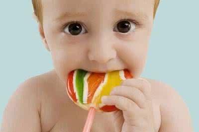 家长注意啦 孩子吃甜食不止是伤牙