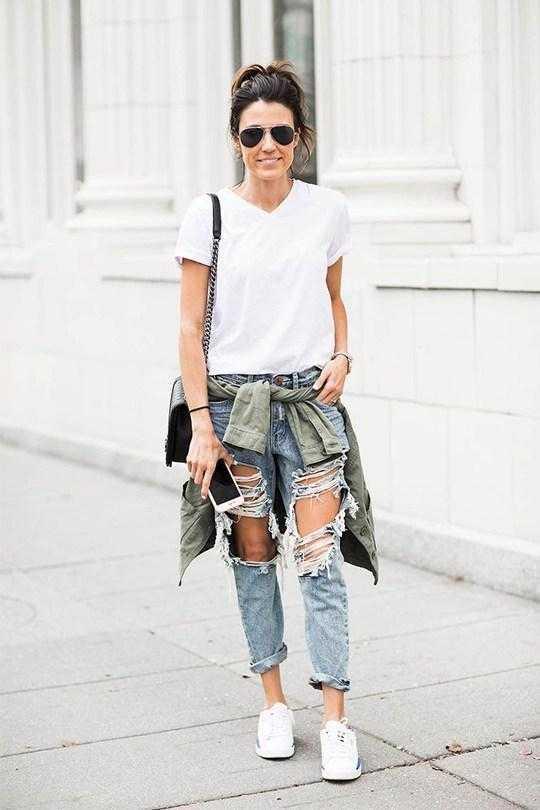 大热的破烂感牛仔裤要如何配搭才不佣俗?