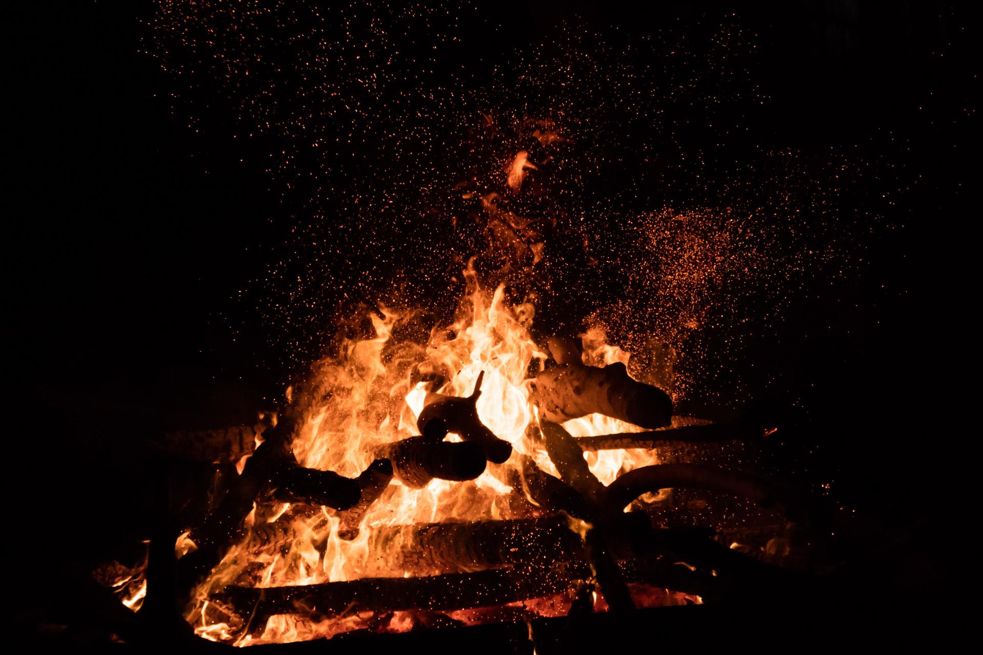阿里彭蕾:生命里總得要有什么值得你為他燃燒一回