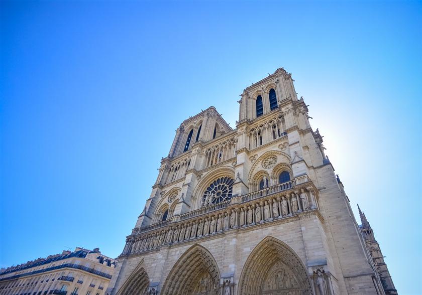 全世界募款!法国真的穷到重建不了巴黎圣母院?