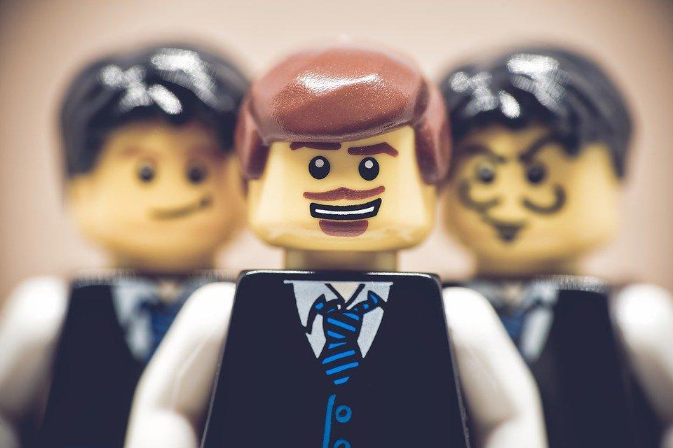 职场人际:被同事嫉妒了该怎么办?